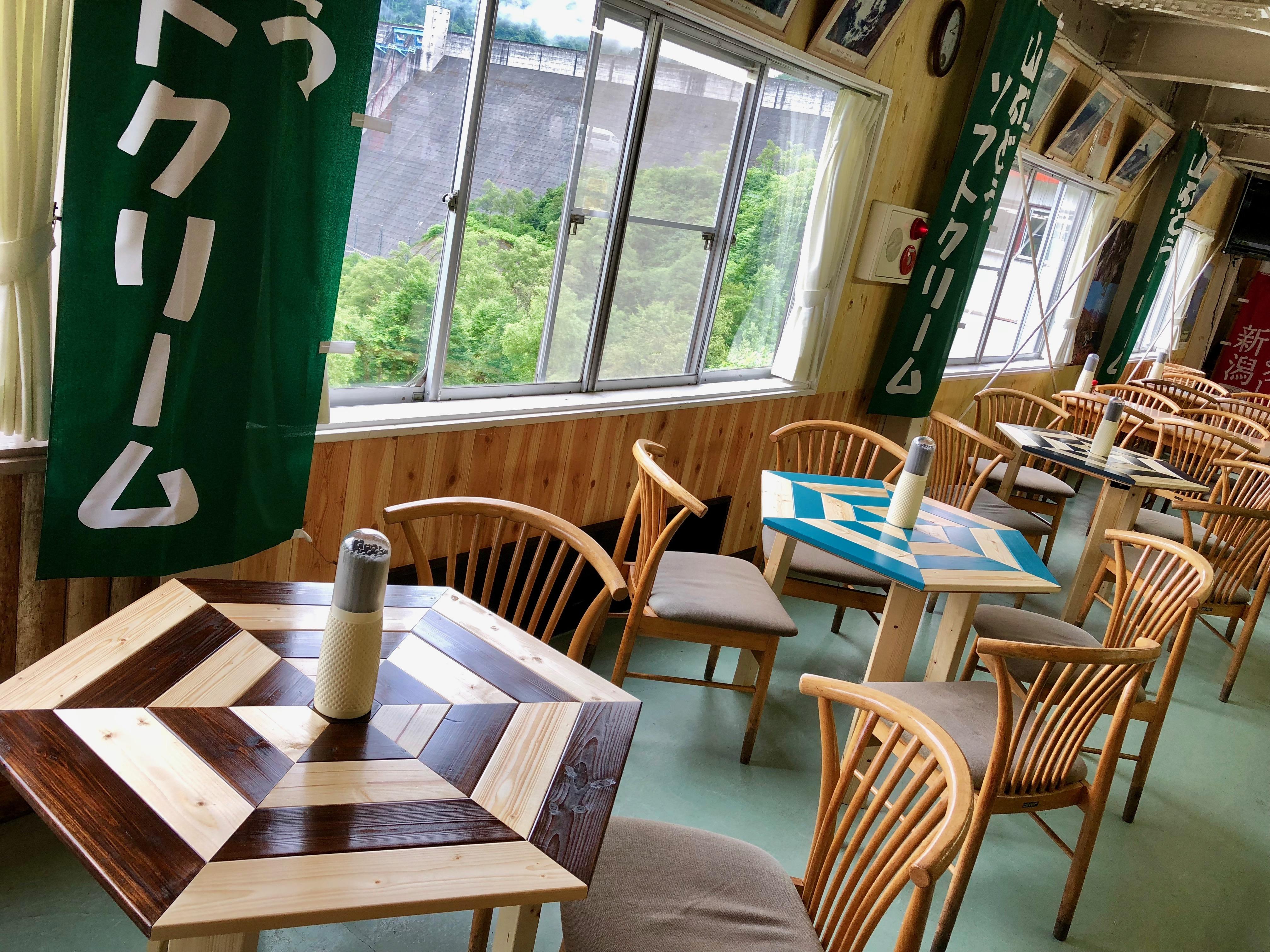 食堂6角テーブル
